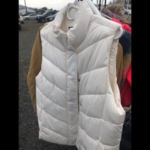 White gap vests